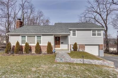 White Plains Single Family Home For Sale: 15 Downing Drive East