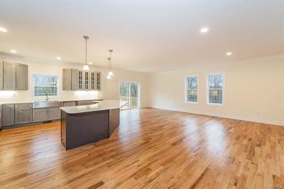 Putnam County Single Family Home For Sale: 39 Carmine Drive