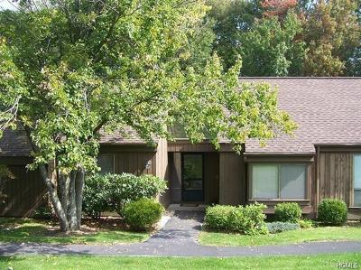 Somers Condo/Townhouse For Sale: 384 Heritage Hills #B