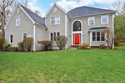 Connecticut Single Family Home For Sale: 30 Lynn Place