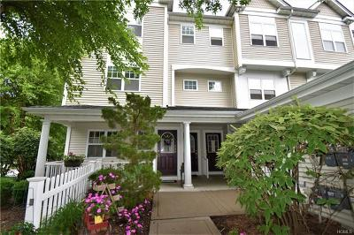 Peekskill Condo/Townhouse For Sale: 121 Viewpoint Terrace