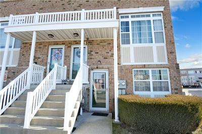 Bronx Condo/Townhouse For Sale: 160 Surf Drive #487