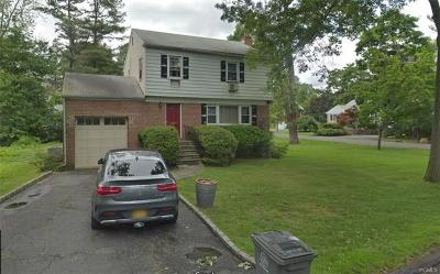 White Plains Single Family Home For Sale: 14 Oakley Road