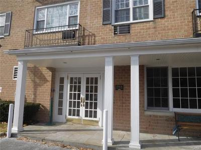 Tuckahoe Condo/Townhouse For Sale: 4 Consulate Drive #2-E