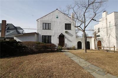 Yonkers Single Family Home For Sale: 25 Longmeadow Road