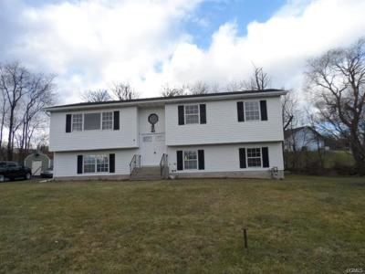 Middletown Single Family Home For Sale: 10 Patricia Road