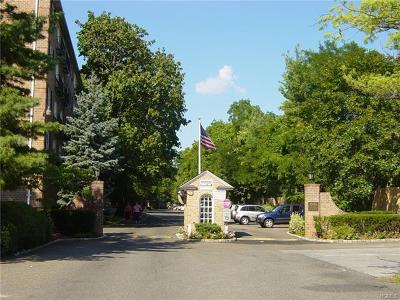 Tuckahoe Condo/Townhouse For Sale: 1 Consulate Drive #4J
