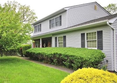 Rockland County Single Family Home For Sale: 5 Blithe Court