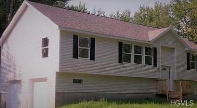 Greenfield Park Single Family Home For Sale: 8 Mount Laurel Road