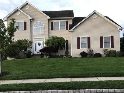 New Windsor Single Family Home For Sale: 2625 Liberty Ridge