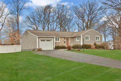 Nanuet Single Family Home For Sale: 11 Green Oval