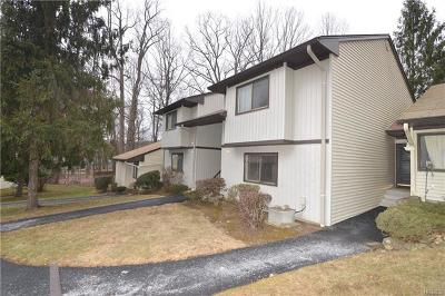 Yorktown Heights Condo/Townhouse For Sale: 125c Columbia Court