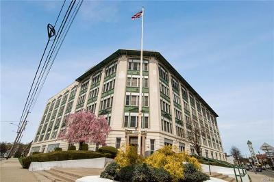 Port Chester Condo/Townhouse For Sale: 1 Landmark Square #316