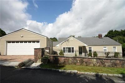 Ossining Single Family Home For Sale: 5 Dogwood Lane