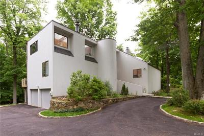 Chappaqua Single Family Home For Sale: 2 Whippoorwill Close