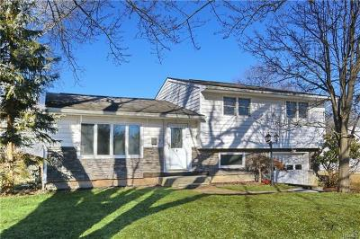 Middletown Single Family Home For Sale: 9 Thomas Jefferson Place
