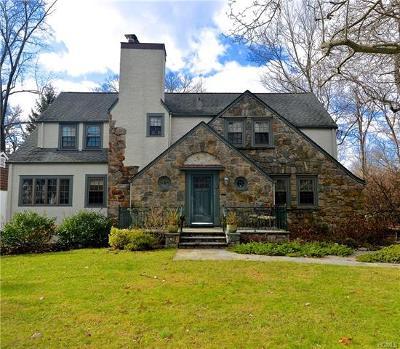 White Plains Single Family Home For Sale: 15 Blackthorn Lane