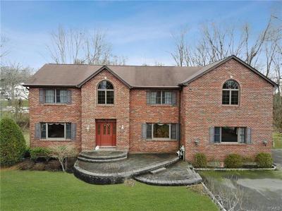 Single Family Home Sold: 9 Celtic Lane