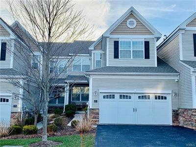 Dutchess County Condo/Townhouse For Sale: 27 Pritchard Court