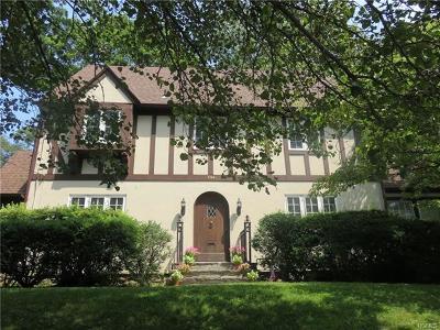 Pelham Single Family Home For Sale: 260 Highbrook Avenue