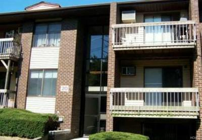 Pomona Condo/Townhouse For Sale: 204 Country Club(Shady Brook) Lane