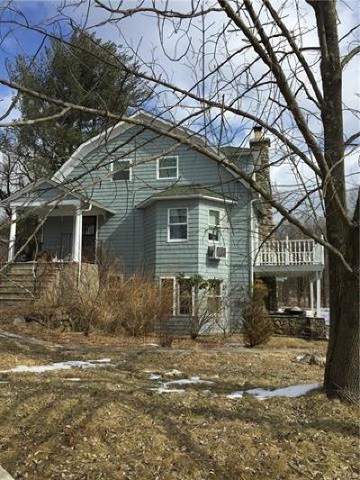 Middletown Single Family Home For Sale: 30 Weld Road