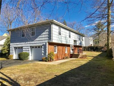Westchester County Single Family Home For Sale: 2 Woods End Lane