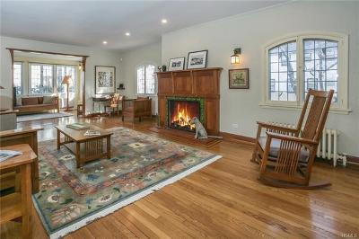 New Rochelle Single Family Home For Sale: 30 Disbrow Lane