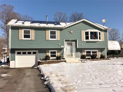 Middletown Single Family Home For Sale: 12 Marcy Lane