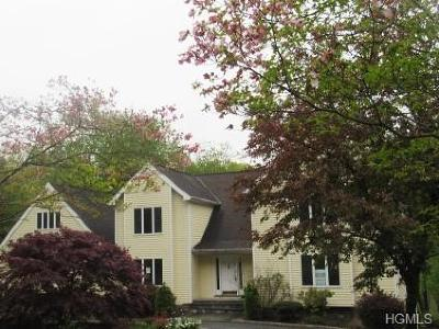 Westchester County Single Family Home For Sale: 24 Bretton Ridge Road