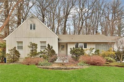 New Rochelle Single Family Home For Sale: 367 Pinebrook Boulevard