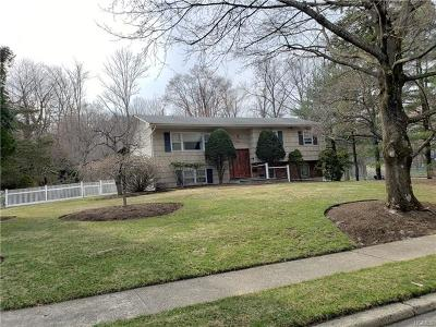 Rockland County Single Family Home For Sale: 7 Pennington Way