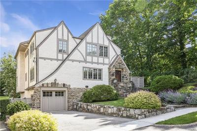 Larchmont Single Family Home For Sale: 9 Cambridge Court