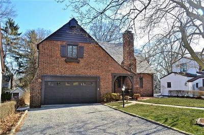 Westchester County Single Family Home For Sale: 40 Midchester Avenue