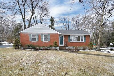 New Windsor Single Family Home For Sale: 14 Lannis Avenue