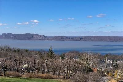 Westchester County Single Family Home For Sale: 74 Hudson Watch Drive
