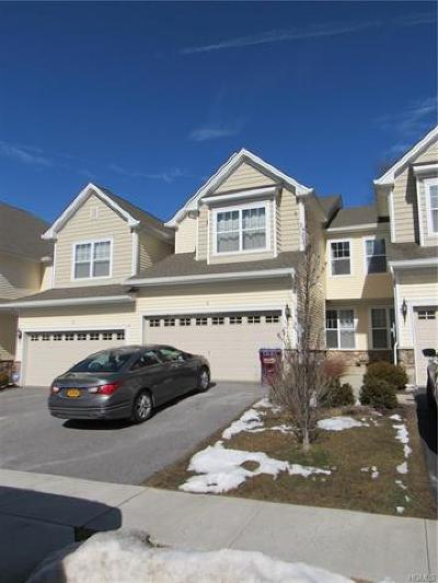 Middletown Single Family Home For Sale: 16 Fieldstone Drive