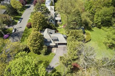 New Rochelle Single Family Home For Sale: 66 Lord Kitchener Road