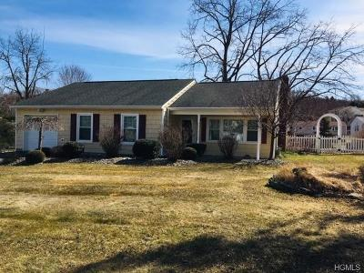 New Windsor Single Family Home For Sale: 302 Stephenson Lane