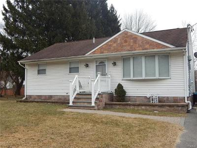 Middletown Single Family Home For Sale: 39 Beers Drive