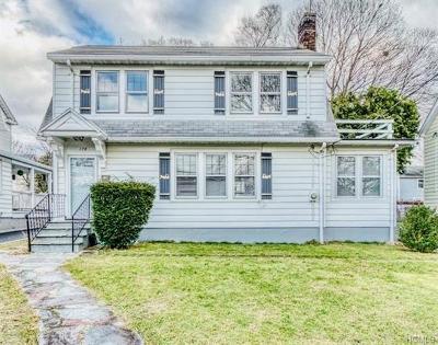 White Plains Single Family Home For Sale: 178 Davis Avenue