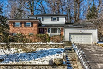 New Rochelle Single Family Home For Sale: 226 Pinebrook Boulevard