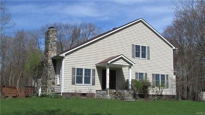 Poughquag Single Family Home For Sale: 185 Quinlan Road