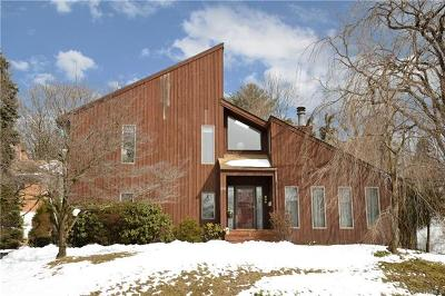 Westchester County Single Family Home For Sale: 90 Cleveland Drive