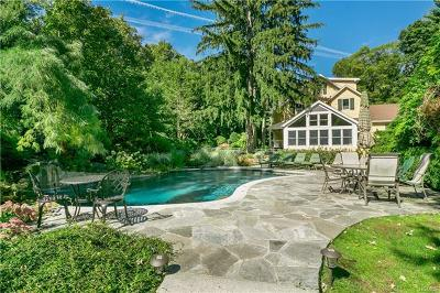 Armonk Single Family Home For Sale: 15 Evergreen Row