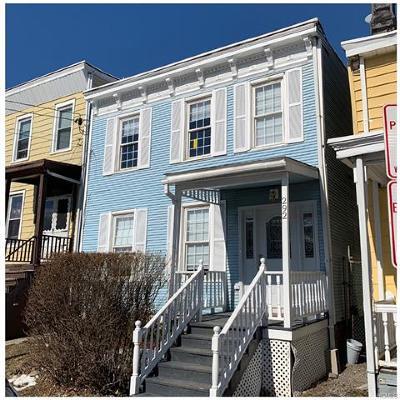 Newburgh Single Family Home For Sale: 292 1st Street