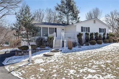 Rockland County Single Family Home For Sale: 4 Lynne Court