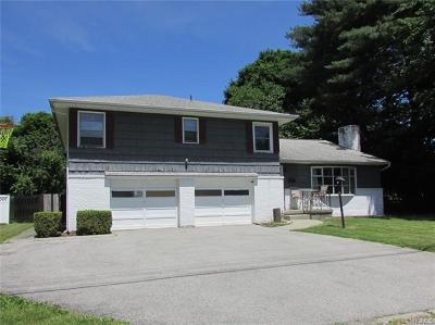 Newburgh Single Family Home For Sale: 12 Leicht Place