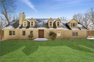 Connecticut Single Family Home For Sale: 178 Chestnut Ridge Road