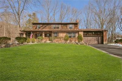 Rockland County Single Family Home For Sale: 4 Belvedere Path